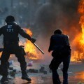 La policía se enfrentó a los manifestantes (Foto-AFP)