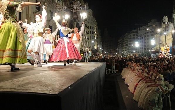 La tradición y el folclore valenciano tendrán su presencia en los actos falleros.