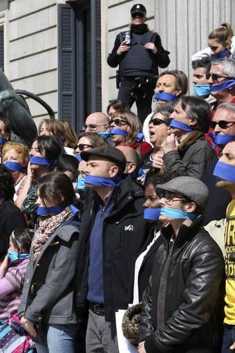 Miembros de diversos partidos muestran su rechazo a la llamada ' class=