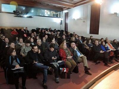Público en l' class=