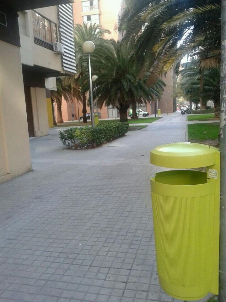 Papeleras verdes Campanar-Amistat