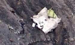 Restos del fuselaje del avión siniestrado.