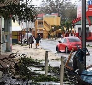 Se decretó el estado de emergencia debido a la destrucción generada por el ciclón Pam. (Foto-AP)