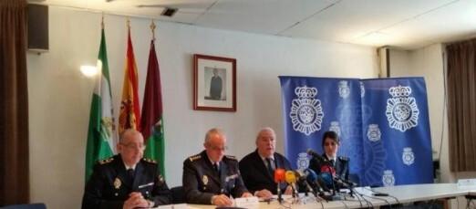 Según explicó la policía, la operación se centró en un primer momento en sobre los testaferros utilizados por la organización.