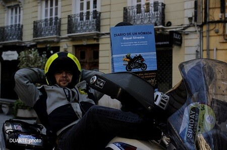 Silvestre adora los viajes en moto ya que le dan libertad.