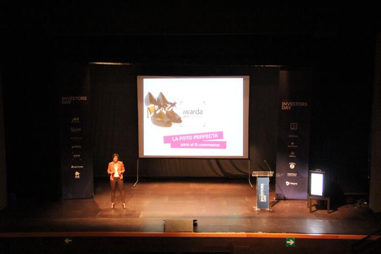 Silvia Haro, CEO de iWarda durante su  exposición