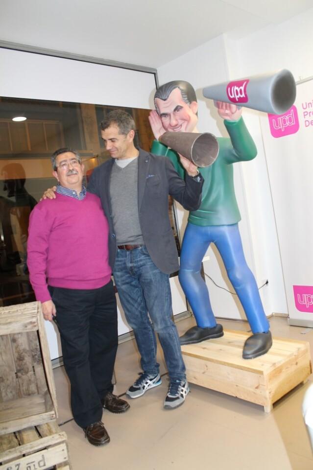 UPyD Cantó ninot con artista