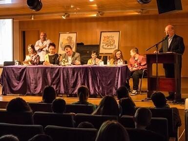 Un momento de la entrega de los premios del certamen literario en Utiel.