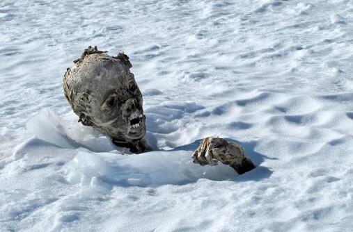 Una de las momias encontradas en el hielo. (Foto-Reuters)