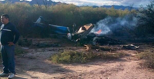 Una de las personas que vieron cómo se producía el accidente en la pista de despegue. (Foto-RiojaLibre.com.ar)
