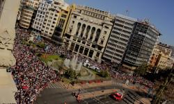 disparando la Pirotecnia Aitana de Bélgida en la Plaza del Ayuntamiento (11)
