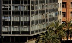 disparando la Pirotecnia Aitana de Bélgida en la Plaza del Ayuntamiento (12)