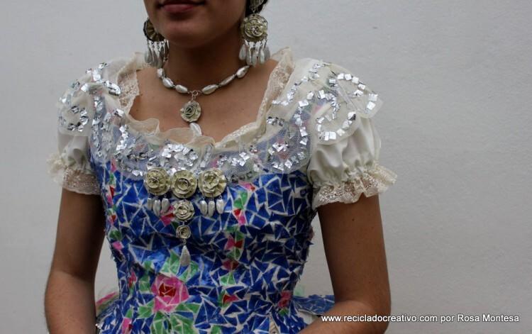 traje-de-fallera-valenciana-con-material-reciclado-376