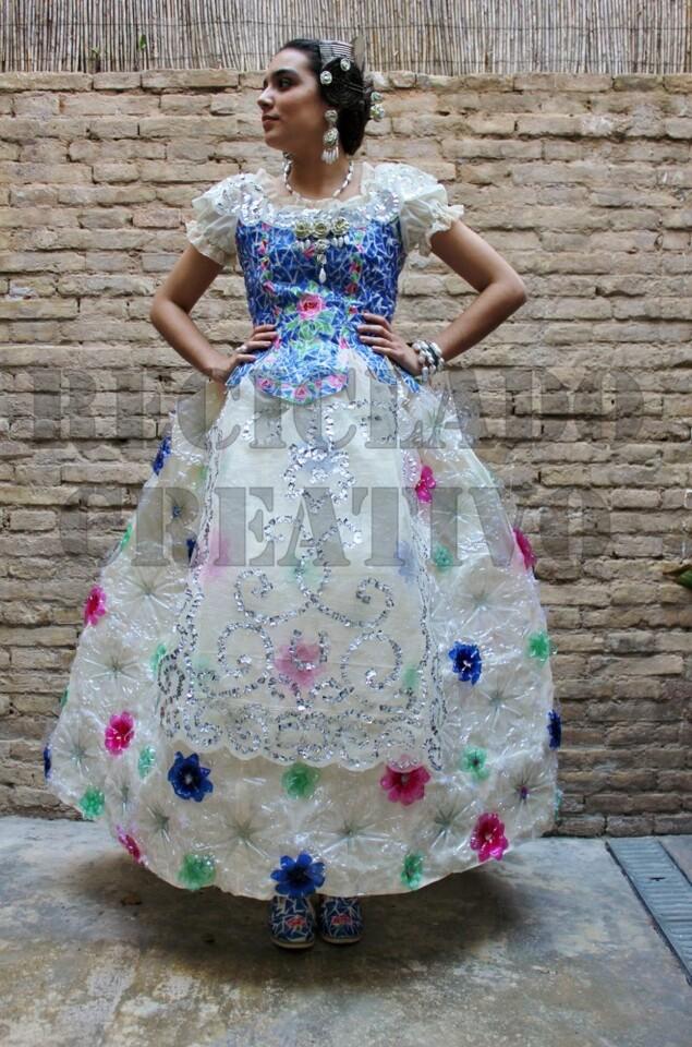 traje-de-fallera-valenciana-por-reciclado-creativo-15-001