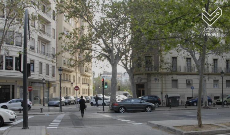 0429.paso peatones Navarro Reverter con logo