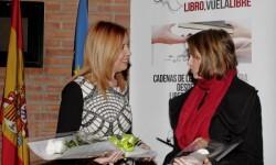 Carmen-Jávega-alcaldesa-de-Aldaia-junto-a-Aurora-Luna-presidenta-del-jurado-del-certamen-durante-la-presentación-del-concurso