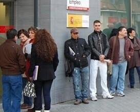 El desempleo se redujo en 60.214 personas en marzo.