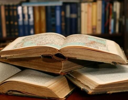 El fallo de los jurados será emitido los días 27 y 29 de abril coincidiendo con la tradicional Feria del Libro de Valencia.