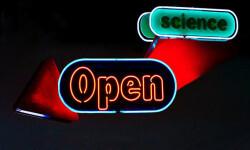 Con el open access suelen ser los autores los que deben pagar por publicar. / Derivada de indered by Talent