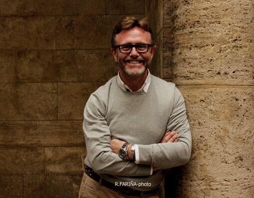 El valenciano compagina su vida profesional en tres grandes capitales como Madrid, Nueva York y México Distrito Federal.