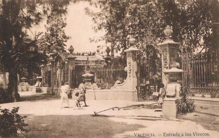 Entrada a Viveros, 1932. A. P. R. S.