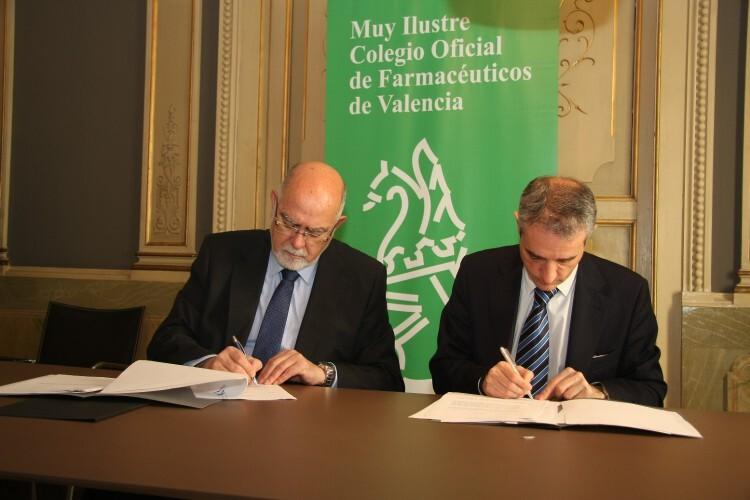 Foto 1 Acuerdo CaixaBank con Colegio Farmacéuticos Valencia