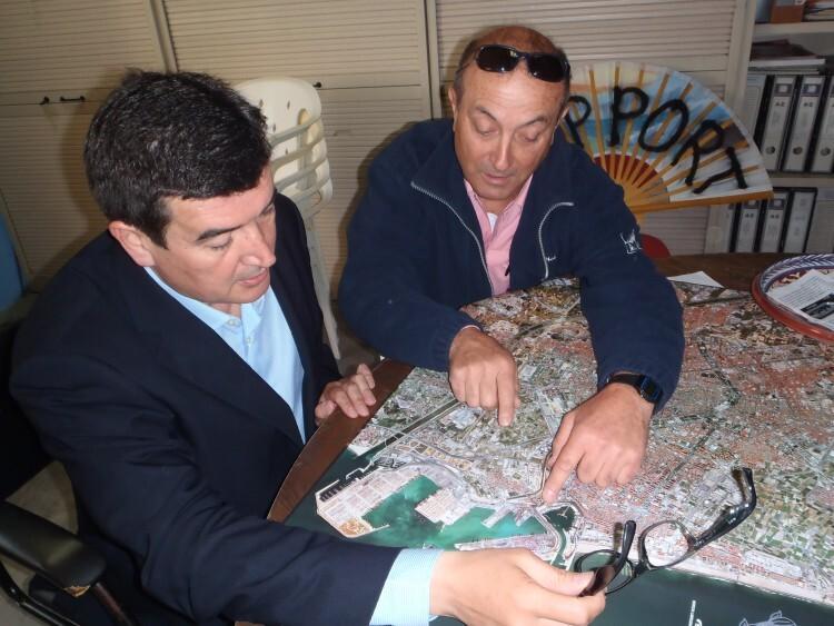 Fernando Giner, candidato de Ciudadanos a la alcaldía de Valencia, junto a Julio Moltó.
