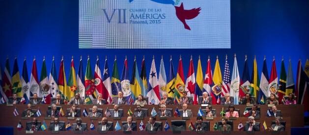 Foto que reúne a todos los presidentes asistentes a la histórica cumbre que se celebra en Panamá. (Foto-AFP)