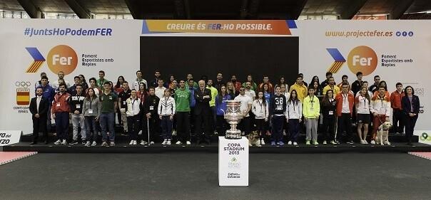 Gran foto del Proyecto FER con los deportistas que integran la selección.