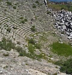 Imagen del actual estado del teatro de Trajanópolis (hoy Alexandrópolis)