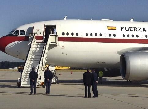 Imagen del avión que trasladó a los evacuados españoles. - copia