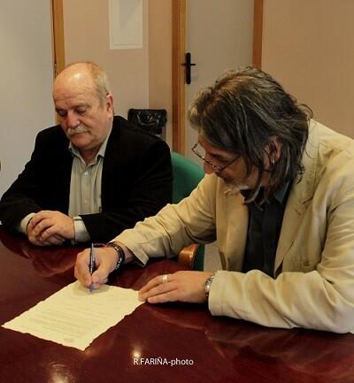 José Carlos Morenilla y Jimmy Entraigües durante la firma del Acta.