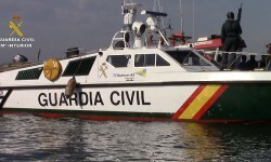 La Guardia Civil abordó la nave con bandera portuguesa.
