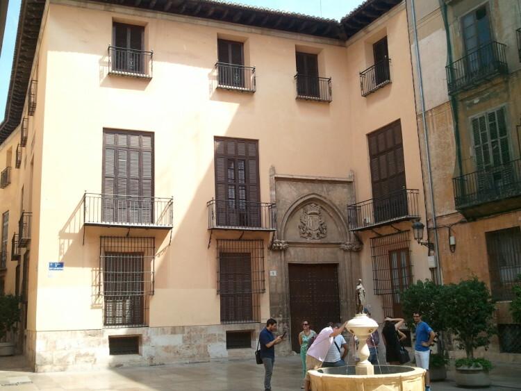 Palacio de los Escrivà, Plaza de San Luis Beltrán
