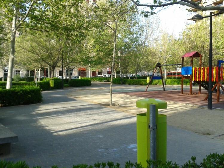 Papeleras verdes Penya Roja-St.Llorenç