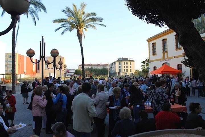 Plaza llena Molí