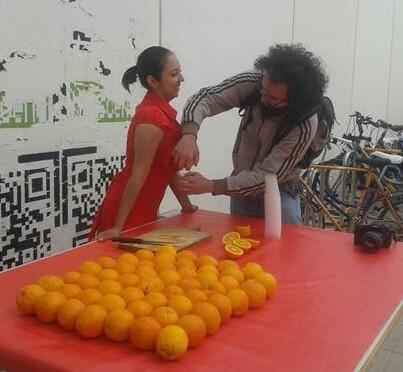 Recibimiento con zumo de naranja.