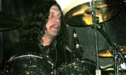Robert Burns Jr. en una de sus actuaciones.