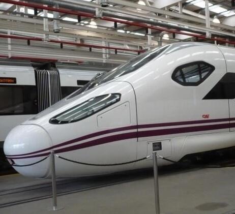 Trenes de Renfe estacionados en Madrid. (Foto-Renfe)