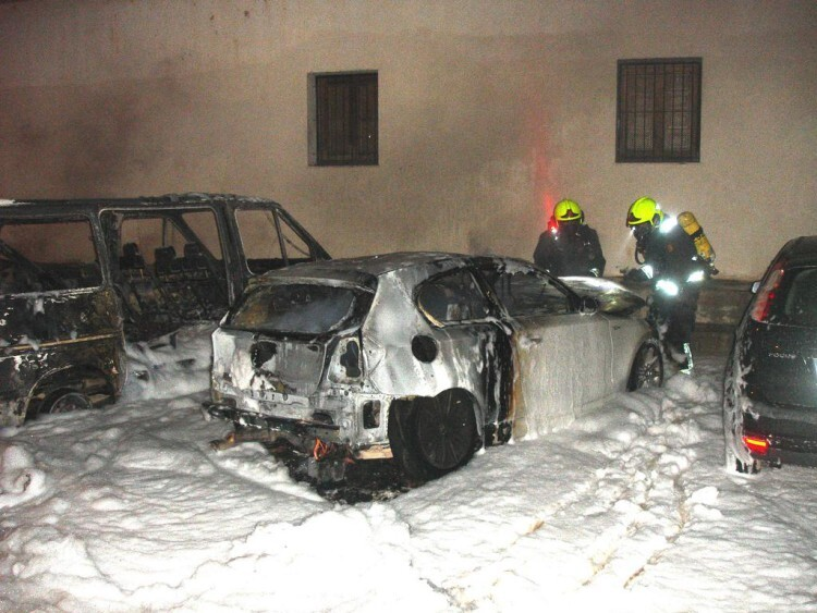 Estado en que quedó uno de los vehículos siniestrados. Foto: Bomberos Ayuntamiento de Valencia