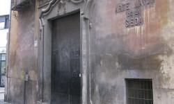 Fachada del Colegio del Arte Mayor de la Seda, muy cerca del lugar de los hechos. Foto: Javier Furió