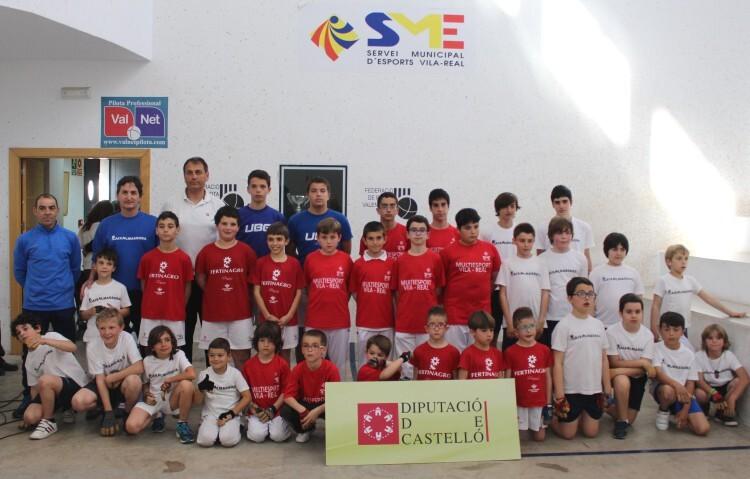 foto grup escoles a Vila-real, jornada de finals de JECV