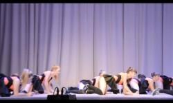 Vídeo: polémica en Rusia por un baile hot durante un acto escolar