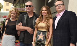 "Castmates Julie Bowen, from left, Ed O'Neill, Sofia Vergara and Stonestreet from ""Modern Family,"" attend a ceremony where Vergara was awarded a star on the Hollywood Walk of Fame on Thursday, May 7, 2015, in Los Angeles. (Photo by Chris Pizzello/Invision/AP)"