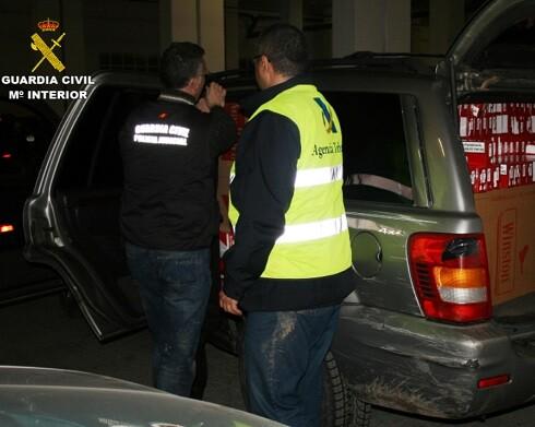 23 detenidos de una compleja organización dedicada al contrabando de tabaco.