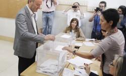 Alberto_Fabra_Votacion