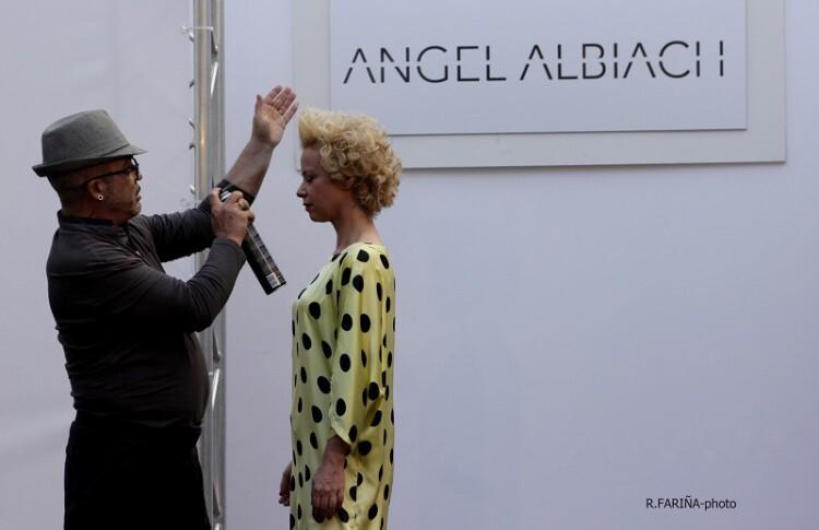 Albiach deja de ser una imagen sin rostro para presentarse como diseñadora.