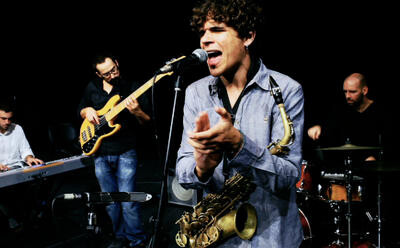 Antonio Lizana en uno de sus conciertos.