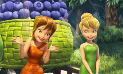 """LEGEND OF THE NEVERBEAST"" Pictured (L-R): Fawn & Tinkerbell. ©2014 Disney Enterprises, Inc. All Rights Reserved."