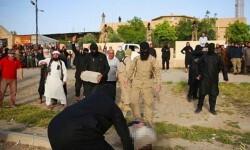 El Estado Islámico ejecutó a dos hombres en Irak arrojándoles bloques de hormigón (6)